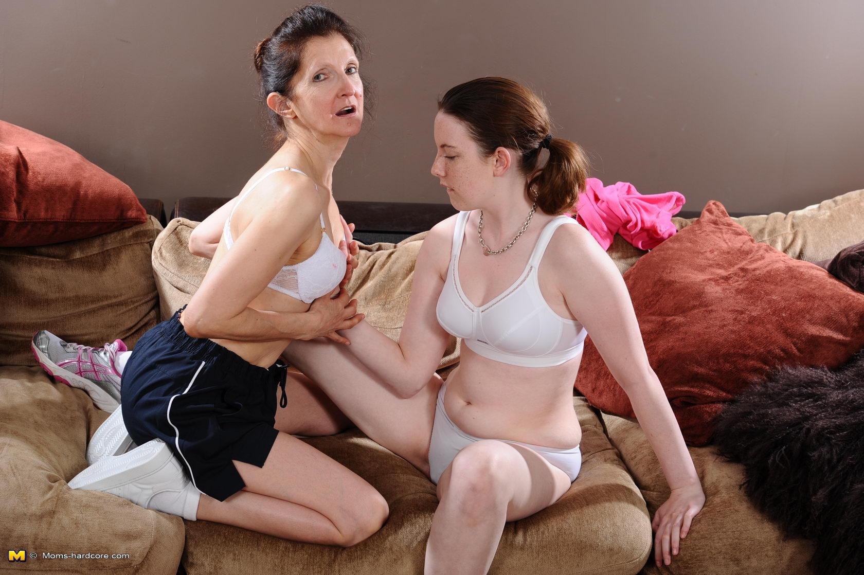 Секс сына с матерью - все популярые порно ролики в одном ...